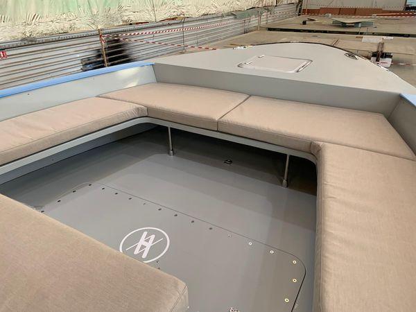 Pont du Yacht Hynova réalisé en covering