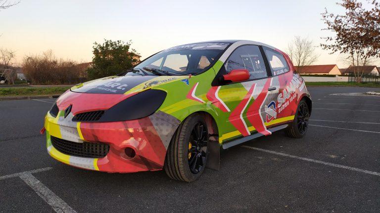 Décoration Clio3 RS pour Courses Circuit terre
