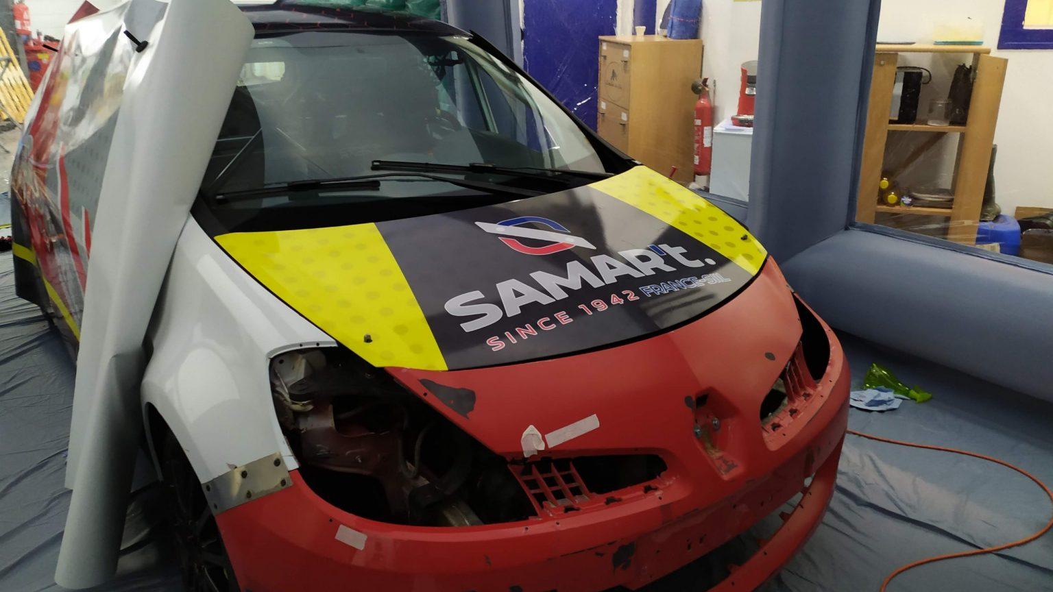 Pose covering en cours Clio3 RS en cabine